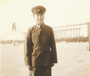 """90岁抗战老兵:13岁端起""""汉阳造"""""""