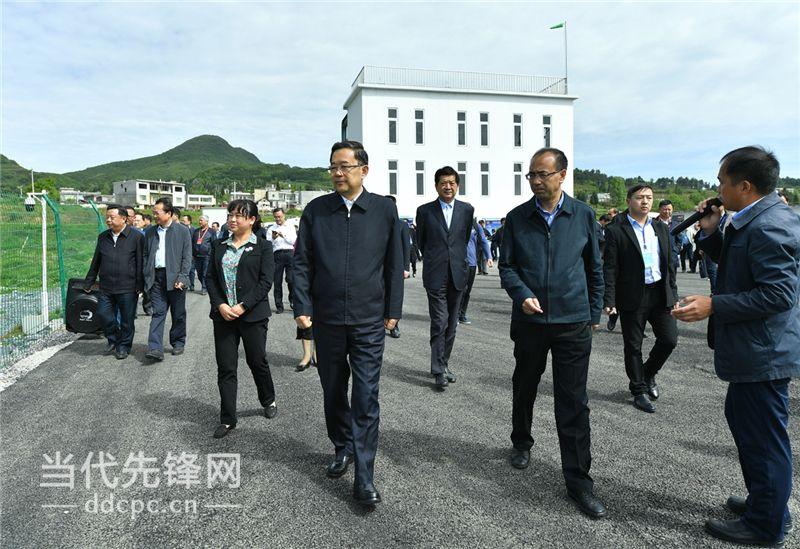 孙志刚带队在大方县、黔西县观摩