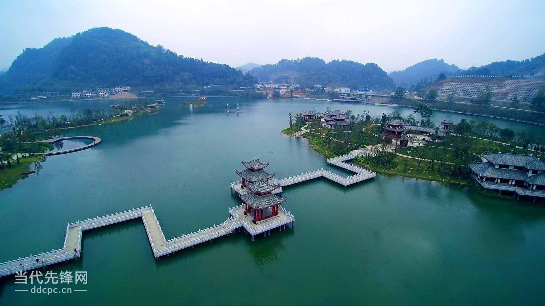杨柳街河,摆楠河这三条河汇流的下游,这里也处于都匀市剑江河的上游