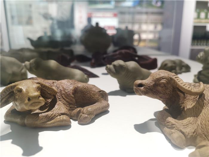 第十五届旅发大会|一把黄泥变身工艺美术品亮相特色旅游商品